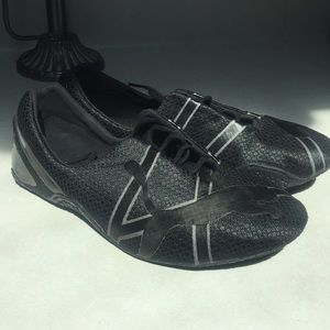 Puma Women's Tennis Shoes, Size 10